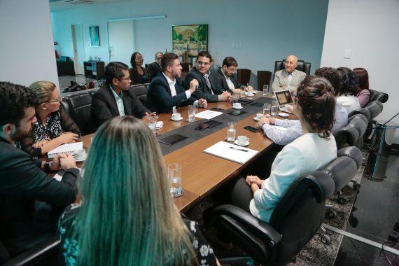 O govarnador Confúcio Moura durante reunião com dirigentes da Movimento Brasil Competitivo (MBC)