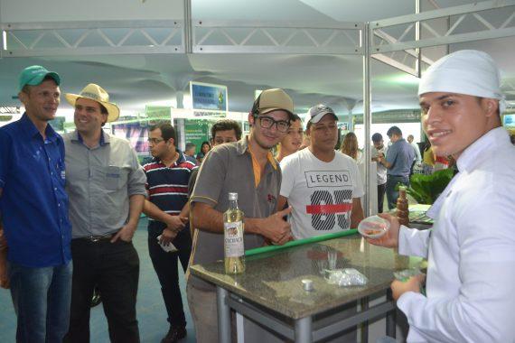 Carnes de jacaré e de pirarucu são atrações da gastronomia estadual apresentadas pela Setur